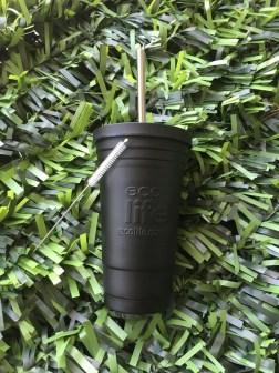 Ανακαλύψτε το υπέροχο Ecolife Thermos Cup!  Μεταφέρετε με στυλ το νερό ή το ρόφημά σας & διατηρήστε το στη θερμοκρασία που θέλετε, κρύο ή ζεστό!  Κατασκευασμένο από ανοξείδωτο ατσάλι 304 (18/8 stainless steel)  Έρχεται μαζί με ανοξείδωτο καλαμάκι, τάπα α