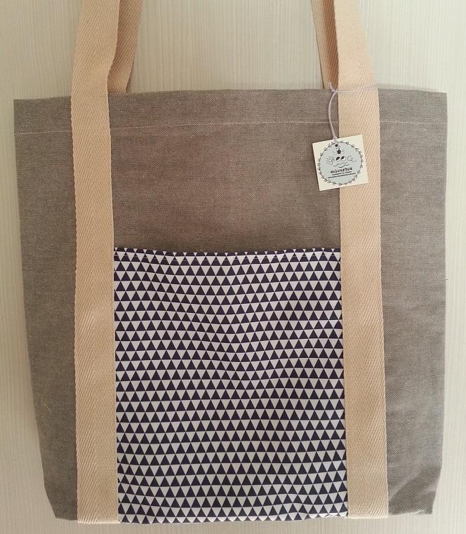 Τσάντα υφασμάτινη tote bag με τρίγωνα διαστάσεων 44*41*9εκ.